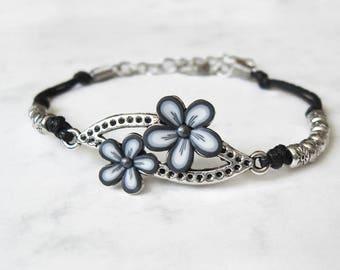 Monochrome Flower bracelet, Polymer clay bracelet, Flower jewelry, Floral bracelet, White and gray bracelet, Minimalist jewelry