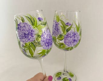 Lavender Hydrangeas pair of hand painted wine glasses