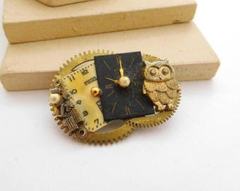 Retro Vintage Altered Art Clock Owl Gear Steampunk Black Gold Brooch Pin I30