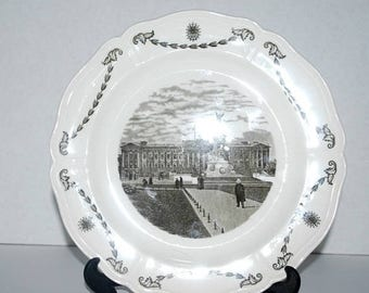 weekend sale Wedgewood  Old London Views Buckingham palace plate home decor collectible
