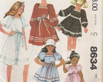 Pretty Vintage Dress Pattern McCalls 8634 Size 7 Uncut