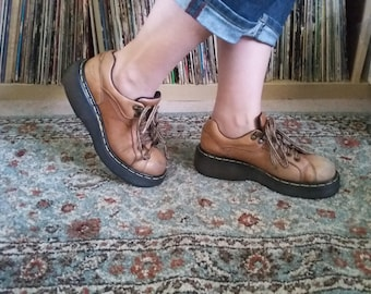 Doc Martins Light Brown Lace Up Womens 6US