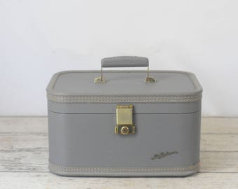 Vintage Suitcase Lady Baltimore Luggage Light Gray Makeup Case Overnite Suitcase