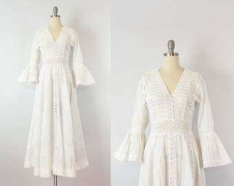 vintage 70s dress / 1970s Mexican wedding dress / white eyelet cotton lace dress / bohemian wedding dress / Isla Mujeres dress