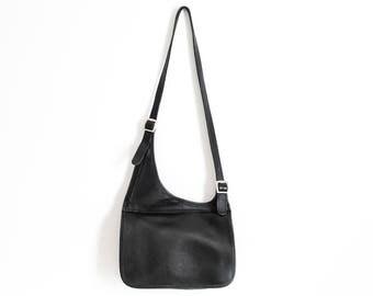 Vintage Leather Coach Crossbody Messenger Handbag Black Color