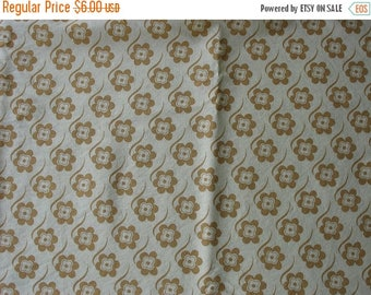 40% OFF Vintage Yellow Floral Cotton Fabric Mustard Flowers Mod Flowers - 1 Yard - CFL0219