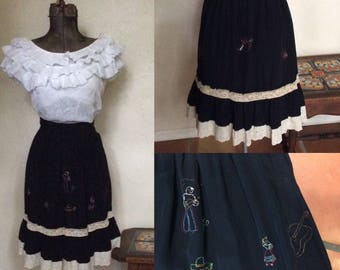 Vintage 1950's Embroidered Novelty Mexican Ruffled Skirt S