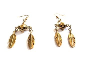 Skull and feathers bronze earrings