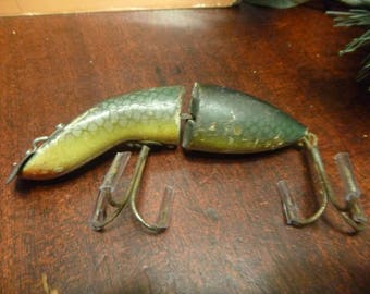 RARE... Wooden Heddons GameFisher Fishing Lure In Green Scale  1930s   (T)