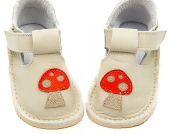 Creme Toddler Leather Shoes,leather lining,Vibram sole,velcro fastening,support barefoot walking, sizes EU 16 to 24 - US 2 to 7.5