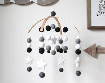 Black & White Star Mobile, Felt Ball Mobile, Baby Mobile, Crib Mobile, Nursery Cot Mobile, Pom Pom Mobile, Nursery Mobile, Gender Neutral