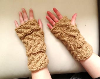 Gift: mitts with cables hand knitted, light brown