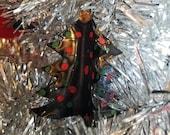 Christmas Tree Ornament - Upcycled Vinyl Record Ornament - Music Gift - Music Ornament - Piano Teacher Gift - Musician Gift - Vinyl Record