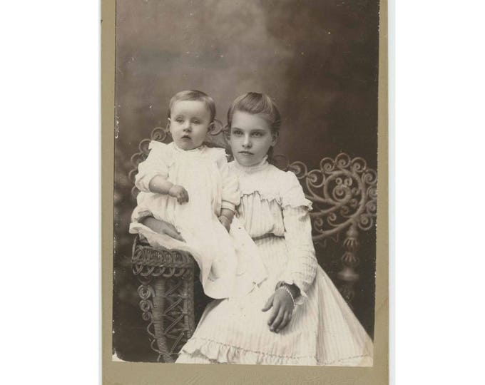 Antique Cabinet Card Photo: Siblings, Hall Gallery, Meadville, PA (78596)
