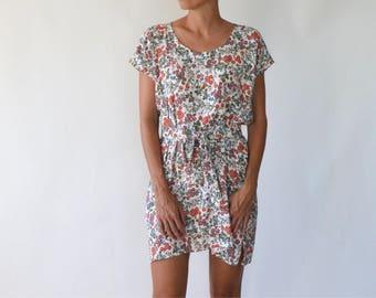 Dress / sundress / summer dress / floral dress / loose dress / belted dress / short dress