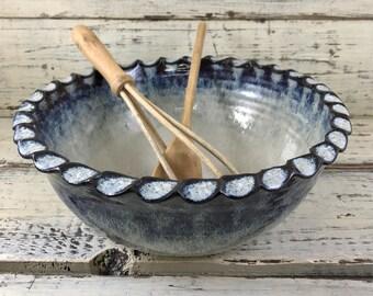 Pottery, Wheel Thrown Handmade Ceramic Stoneware Mixing or Serving Bowl