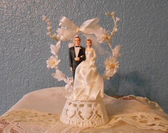 Vintage wedding cake topper, Bride and groom, Wedding supplies, Bridal showers, Anniversary cakes, Props, Staging