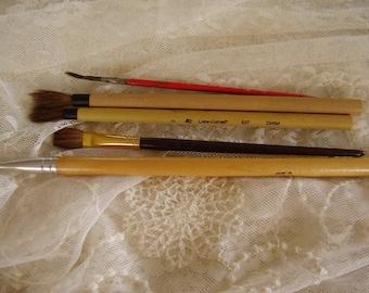 Four Artist PAINT BRUSHES/Craft/Art Supply