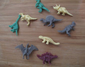 Assorted Plastic Dinosaur lot of 9 - Assorted colors and types
