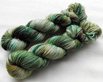 Handdyed SockYarn, 75 Wool, 25 Nylon 100g 3.5 oz. Nr. 131