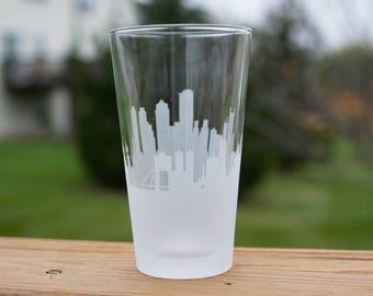 Etched Boston, Massachusetts city Skyline Silhouette Pint Glasses