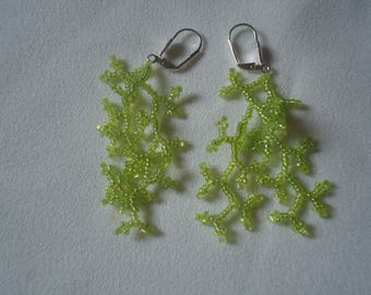 Earrings coral light green beads