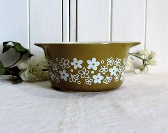 Rare vintage Pyrex Corning olive green and white baking and microwave bowl