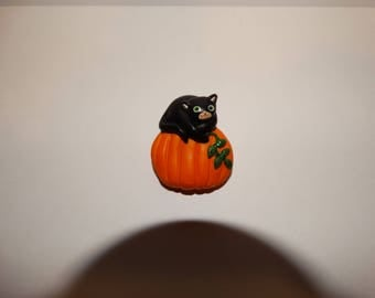 Vintage Halloween Black Cat on Pumpkin Pin Brooch