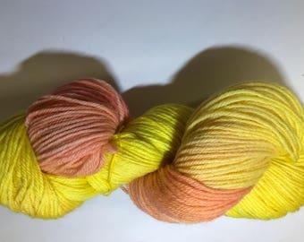Wool Merino-hand dyed wool- indie dyed yarn - Merino worsted wool-Worsted Weight-hand dyed yarn-Aran weight-Variegated yarn-worsted Merino