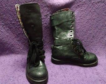 Dr Martens Triumph Womens Boots UK size 4 US size 6