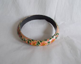 Vintage Flower Wood Bangle Bracelet //4