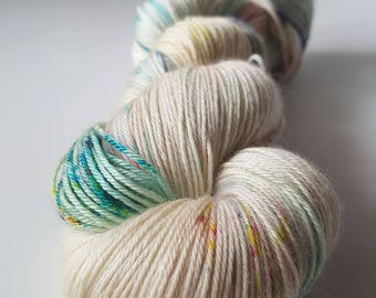 Skein of superwash Merino Wool / silk - Fingering / Sock hand - dyed colors ArcoIris