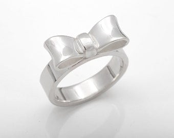 Silver bow ring, handmade bow ring