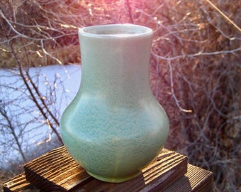 Early Haeger Pottery Vase, Geranium Leaf Glaze, Cottage Chic, Vintage American Art Pottery