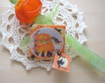 dollhouse halloween pumpkin handkerchief 12th scale miniature