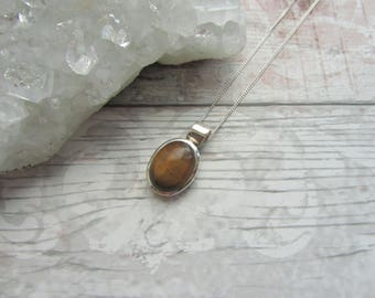 Tiger Eye Gemstone - 925 Sterling Silver Pendant Necklace Natural - Cabochon Bezel Set