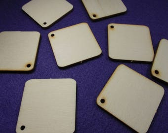 24 Tags / Labels / Gift Tags, wood, 4 x 4 cm (26-0001)