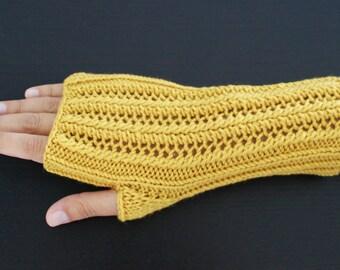 Mid-length gloves, mustard Merino Wool