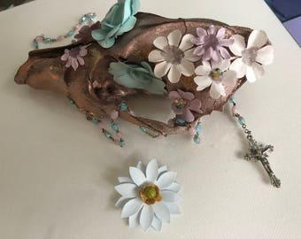 Rose-Gold Blooming Cayote Skull
