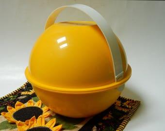 Ingrid Yellow Picnic Ball Serving Set
