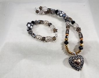 Glass Beads,love,Necklace,handmade,jewelry,heart,romance,heart pendant,heart necklace,Valentine's Day,romance,black,white,jewelry set