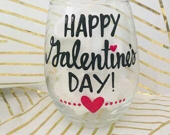 happy Galentines day  - Funny wine glass- Coworker Gift - Valentine's day mug- love stinks mug wine gift