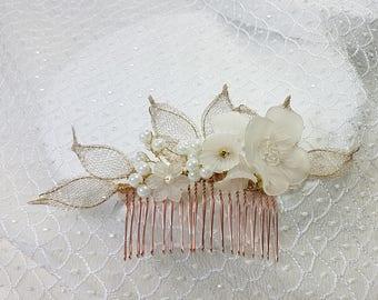 White Lucite Bridal Haircomb