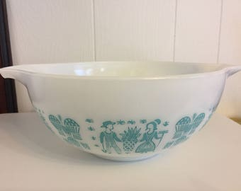 Pyrex Amish Butterprint 443 2 1/2 quarts turquoise