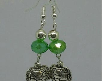 Sea Turtle Earrings. Silver. Drop Earrings. Gift for her. Gift idea. Glass Bead Earrings. Dangle earrings. Gift for mom. Christmas gift