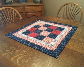 Quilted Table Mat, quilted table topper, table topper, quilted candle mat, candle mat, quilted patchwork topper, patchwork topper