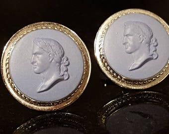 beautiful Destino and Wedgewood vintage sterling cufflinks cameo H