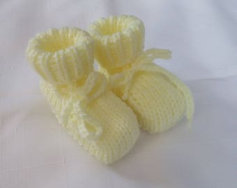 """Hand Made Knitted Baby Booties Light Yellow with Fold Down Cuff 3.5""""  Free Shipping Canada/USA *24"""