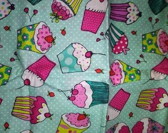 Cupcake Dot - Fabric - Quilt Fabric