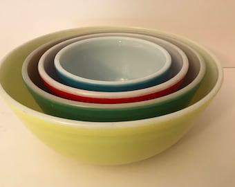 Vintage Pyrex 4 PC Set of 1950's Primary Color Pyrex bowls Nesting Mixing Bowls